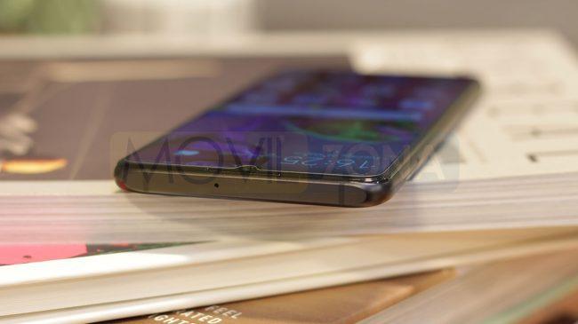 Huawei P30 detalle exterior carcasa