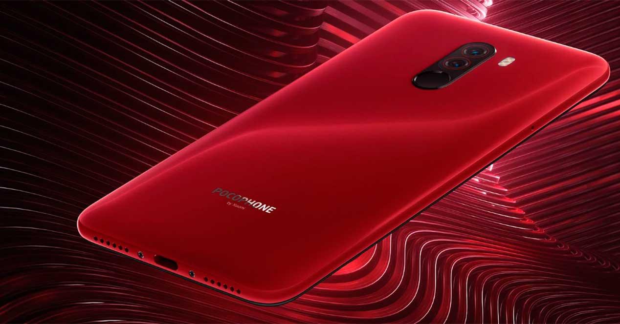 Pocophone F1 color rojo