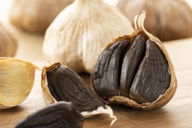 Propiedades y beneficios del ajo negro