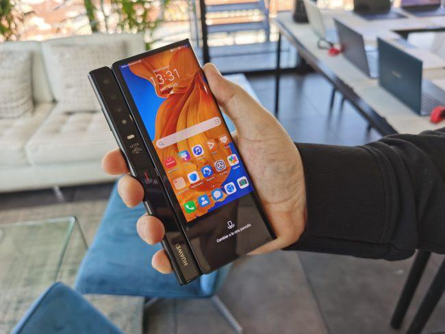 Huawei Mate XS plegado