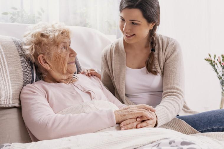 Consejos para el cuidado de los ancianos en casa